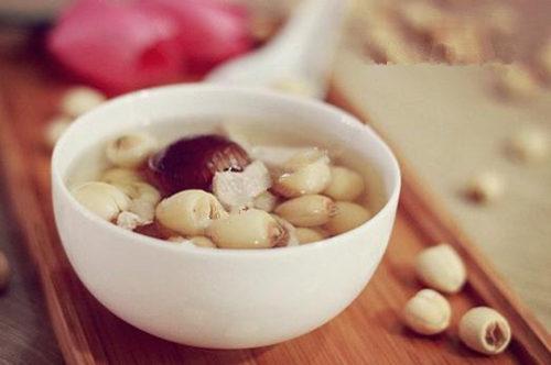 百合莲子瘦肉汤