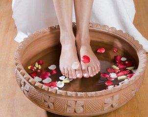 足疗的好处 中药泡脚竟能有效治疗咳嗽