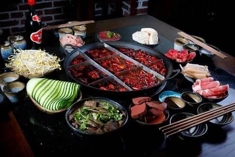 开一家重庆火锅店加盟费是多少钱?